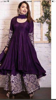 Pakistani Party Wear Dresses, Simple Pakistani Dresses, Designer Party Wear Dresses, Kurti Designs Party Wear, Pakistani Dress Design, Pakistani Outfits, Dresses For Eid, Pakistani Gowns, Wedding Salwar Suits