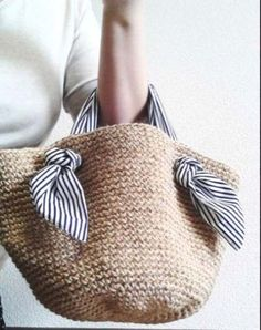 Crochet pattern for Tapestry Bag-Clutch. Crochet one bag with two purposes. In one piece, learn tapestry crochet. - Her Crochet Crochet Shell Stitch, Bead Crochet, Diy Crochet, Crochet Summer, Crochet Ideas, Crochet Fabric, Crochet Handbags, Crochet Purses, Crochet Bags