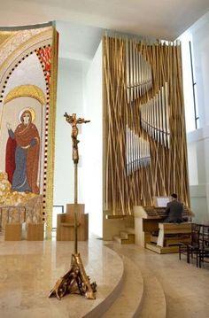 http://www.sacredheart.edu/media/sacredheart/chapeloftheholyspirit/47853.jpg