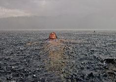 woman-swimming-in-the-rain.jpeg (964×684)