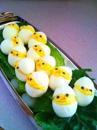 Stuffed eggs for Easter for a delicious Easter brunch. Even more Easter recipes . - Dinner Party Decor - Stuffed eggs for Easter for a delicious Easter brunch. Even more Easter recipes … – creative foo - Comidas Pinterest, Holiday Treats, Holiday Recipes, Holiday Foods, Easter Treats, Easter Snacks, Easter Appetizers, Appetizer Ideas, Shower Appetizers
