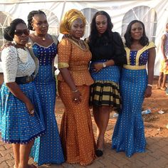 Ankara clothing is one fabric that is loved by Nigerians and Africans as a whole as it can sewn in different styles and worn at different occasion at anytime of… African Traditional Wedding Dress, Traditional Wedding Attire, Traditional Outfits, African Fashion Skirts, African Print Fashion, Africa Fashion, African Prints, African Wear, African Women