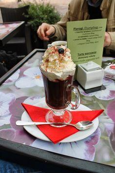 Last Weekend Of September - Hot Chocolate - Bona Coffee Shop - Krakow - Poland - more here: http://twistedredladybug.blogspot.de/2013/10/remembering-last-weekend-of-september.html