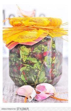 Warto zamknąć smak wiosny w słoikach. Polish Recipes, Polish Food, Canning Recipes, Fruits And Veggies, Preserves, Pickles, Mason Jars, Glass Vase, Food And Drink