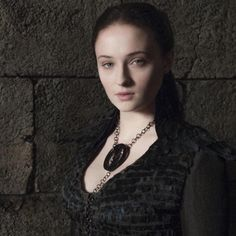 Sophie Turner Talks Using Sansa Stark's Sexuality In 'Game of Thrones' Game Of Thrones Imdb, Game Of Thrones Sansa, Game Of Thrones Episodes, Hbo Tv Series, Episodes Series, Alayne Stone, Game Of Thrones Necklace, David Benioff, A Dance With Dragons