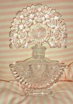 Beautiful & Unique Vintage Art Deco Cut Glass Perfume Bottle Fan Shape…