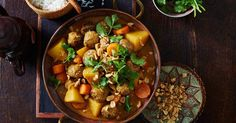 Be tempted by a Thai favourite for dinner tonight, with this easy massaman meatball curry.