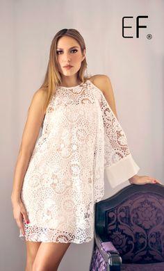 Vestido blanco corto de una manga. #moda #fashion #whitedress #vestido #cancunmoda #estilo #mujermoda #trendy #mexicoestademoda #diseñadorademodas #diseñosexclusivos