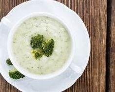 Velouté de brocolis au bouillon : http://www.cuisineaz.com/recettes/veloute-de-brocolis-au-bouillon-70843.aspx