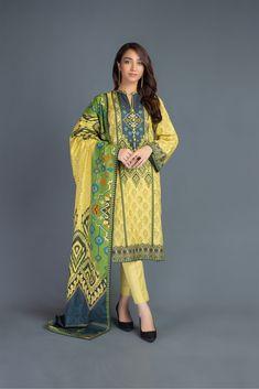 Dress With Shawl, Dress Up, Semi Formal Wear, Kurta Neck Design, Winter Suit, Pakistani Salwar Kameez, Cashmere Shawl, Pakistani Outfits, Fast Fashion