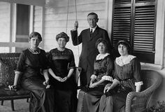 Woodrow Wilson with his first wife Ellen, and daughters Jessie, Margaret and Eleanor.