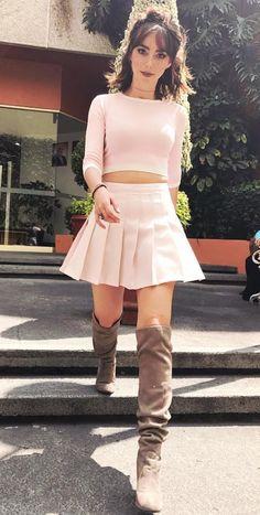 Pleated Mini Skirt, Skater Skirt, Dress Skirt, Mini Skirts, Celebs, Celebrities, Office Wear, Skirt Fashion, Girl Photos