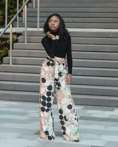 Styling a turtleneck crop top with a Zara highwaisted flared pants. http://www.lapassionvoutee.com/2016/02/friscloset-x-lapassionvoutee-tall-drink.html