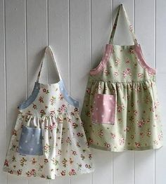 Childrens aprons is creative inspiration for us. Get more photo about home decor… Love Sewing, Sewing For Kids, Baby Sewing, Sewing Crafts, Sewing Projects, Childrens Aprons, Cute Aprons, Sewing Aprons, Kids Apron
