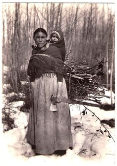 """CREE Mother & baby, Innu tribe (Montagnais), c.1940. Real Photo Postcard edited by Oblats Missionnaries """"Marie immaculée et des Soeurs de la Sainte-famille"""", France, c.1950. Native American Pictures, Native American Women, American Spirit, Native American History, Native American Indians, American Pride, Trail Of Tears, First Nations, Old Pictures"""