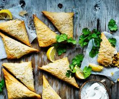 We just love this crisp Moroccan pastilla recipe: crunchy baked pastry triangles filled with juicy chicken and Eastern spices