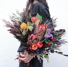 Dried Flower Bouquet, Dried Flowers, Wedding Bouquets, Wedding Flowers, Bright Wedding Colors, How To Preserve Flowers, Flower Aesthetic, Types Of Flowers, Flower Designs