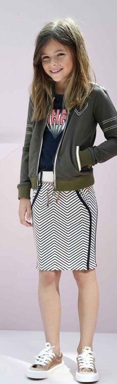 Like Flo zomercollectie 2017. Like Flo meisjeskleding staat voor mooie basics met een lekker draagcomfort. Dress like Flo! Shop Like Flo in onze Junior Store in Bladel of lekker makkelijk online @ http://www.nummerzestien.eu/flo/meisjes/