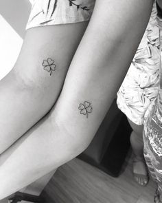 Clover tattoo: meaning and 70 ideas to inspire your tattoo - Clover tattoo: meaning and 70 ideas to inspire your tattoo - Dainty Tattoos, Family Tattoos, Sister Tattoos, Pretty Tattoos, Couple Tattoos, Small Tattoos, Tattoo For Couples, Best Friend Tattoos, Awesome Tattoos
