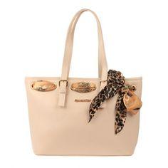 Sac cabas à foulard qui donne une touche d'élégance au sac ! #élégance  #sac #bag #chic #cabas #beige #foulard #tendance #fashion #beau #femme #woman #leopard #lamodeuse