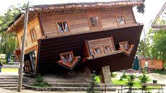 La casa del revés en Szymbark (Polonia)