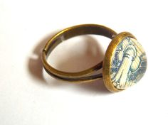 Blue flower ring bronze ring adjustable ring by #blue #tulip #flower #antique #paper #bronze #adjustable #ring #dome #glass #cabochon #vintage #style #wedding #statement #engagement #anniversary #birthday #gift #jewelry #madeoflove  jewelryagnes.etsy.com