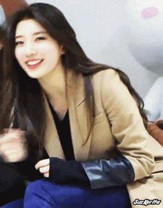miss A 수지 - 하? 시발 존나예뻐 Bae Suzy, Look Fashion, Korean Fashion, Korean Girl, Asian Girl, Miss A Suzy, Aesthetic Photo, Korean Actresses, Girls Girls Girls