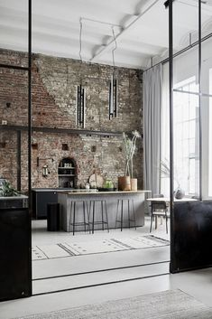 A Bright Industrial Loft Decorated With House Doctor's Spring/Summer Collection - The Nordroom Loft Estilo Industrial, Industrial House, Industrial Style, Industrial Chic Kitchen, Industrial Home Design, House Doctor, New York Loft, Casa Loft, Loft House