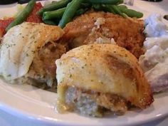 Red Lobster Seafood Stuffed Sole Copycat Recipes Serves 4 4 sole flounder fillets 1 cup bread crumbs 1 cup canned crabmeat, draine...