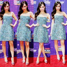 Évie Mills ( Daughter Of Régina & Robin ) Beautiful Celebrities, Beautiful Actresses, Selena, Evie Descendants, Sophia Carson, Jennette Mccurdy, Famous Stars, Famous Models, Trouser