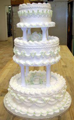 wedding cakes with buttercream garlands | buttercream wedding cake designs