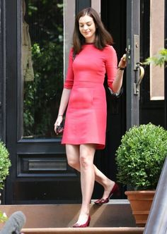 Anne Hathaway On The Set Of 'The Intern'