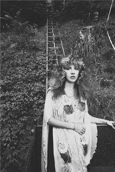 """ ""Stevie Nicks, Laurel Canyon by Neal Preston "" Fleetwood Mac "" Buckingham Nicks, Lindsey Buckingham, Preston, Jean Gabin, Mazzy Star, Stephanie Lynn, Stevie Nicks Fleetwood Mac, Stevie Nicks Witch, Fleetwood Mac Lyrics"