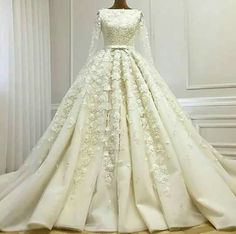 pretty floral applique wedding dress
