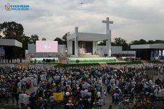 śdm kraków 2016  P5.9 led screen 242 square meter http://www.yes-led.com/en/products.html?pageIndex=2&proTypeName=Magic+Stage&proTypeID=164392