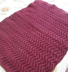Free Knitting Pattern Quick Chevron Blanket - An easy zigzag pattern in chunky yarn makes this Red Heart design a fast, comfy project. Approximately 41″ (104 cm) x 58″ (147 cm)