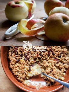 vegan apple crumble | Kuchařka ze Svatojánu: JABLEČNÝ KRAMBL ZASE JINAK Cereal, Oatmeal, Sweet Treats, Food And Drink, Apple, Breakfast, Diet, The Oatmeal, Apple Fruit