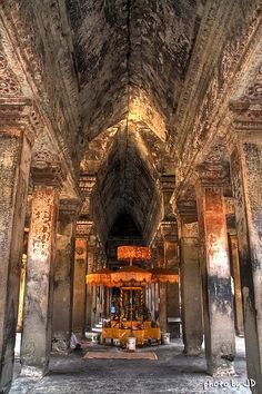Go Siem Reap visit Angkor Wat and stay green era travel Laos, Phnom Penh, Best Places To Travel, Places To Visit, Angkor Wat Cambodia, Beautiful Places, Beautiful World, Khmer Empire, Hindu Temple