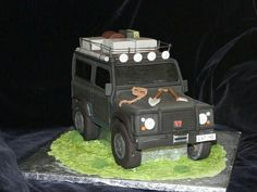 Sweet off-roading, who wants a piece? [PIC] shared by Scott Meredith on FB with… Jeep Cake, Camping Cakes, Edible Creations, Different Cakes, Incredible Edibles, Fondant Figures, Novelty Cakes, Cake Boss, Off Road