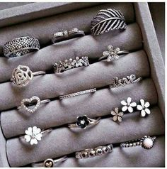 cute rings uploaded by Sally on We Heart It Fancy Jewellery, Stylish Jewelry, Cute Jewelry, Bridal Jewelry, Jewellery Making, Jewelry Box, Jewelry Rings, Jewelry Design Earrings, Jewelry Accessories
