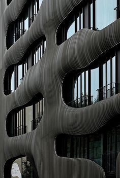 Joh 3 appartment building Berlin, Jürgen Mayer H architects. Facade Architecture, Contemporary Architecture, Amazing Architecture, Building Images, Building Facade, Roads And Streets, Graphic Design Pattern, Architectural Photography, Design Strategy