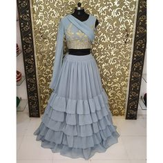 Indian Gowns Dresses, Indian Fashion Dresses, Indian Designer Outfits, Kimono Fashion, Stylish Blouse Design, Stylish Dress Designs, Stylish Dresses, Wedding Lehenga Designs, Long Dress Design