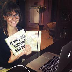 Y aquí estoy con mis libros y cuadernos diseñando mi mapa. Eso si.. Sin dejar de lado mi #negocioeninternet. Diseña tu mapa tu también. Descubre cómo en http://nerealarrucea.com/