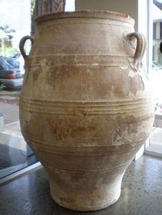rustic terracotta urn Garden Urns, Garden Statues, Garden Planters, Planter Pots, Potted Garden, Outdoor Pots, Outdoor Tables, Big Planters, Olive Jar