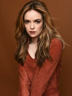 Danielle Panabaker trivia, pictures, links and merchandise. A page dedicated to the actress known as Caitlin Snow/Killer Frost on the TV series 'The Flash'. Part of the TV and Movie Trivia Tribute. Diane Neal, Diane Lane, Hollywood Actresses, Beautiful Actresses, Actors & Actresses, Killer Frost, Danielle Panabaker, Aubrey Plaza, Felicity Jones