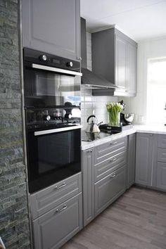 Kitchen Cabinets, Kitchen Appliances, Oven, Kitchens, House, Inspiration, Baking Recipes, Home Decor, Houses