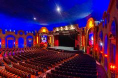 See the interior of the former Gateway Theater, one of Chicago's historic movie palaces. #OHC2016
