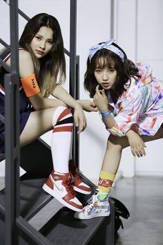 Weki Meki Rina & Yoojung