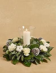 25 Elegant Christmas Candles Decoration Ideas 14 25 Elegant Christmas Candles Decoration Ideas & rudsmyhome The post 25 Elegant Christmas Candles Decoration Ideas 14 appeared first on Belle Ouellette. Table Flower Arrangements, Christmas Flower Arrangements, Christmas Flowers, Elegant Christmas, Christmas Diy, Christmas Wreaths, Christmas Candle Decorations, Christmas Lanterns, Advent