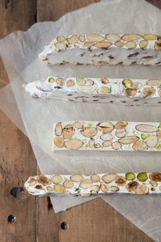 Homemade Torrone Recipe ~ I must add sugar to mines tho' :o) Italian Pastries, Italian Desserts, Italian Christmas Desserts, Spanish Desserts, Easter Desserts, Thanksgiving Desserts, Frozen Desserts, Candy Recipes, Sweet Recipes